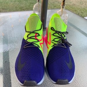 Nike Shoes - Air Max 270 Flyknit